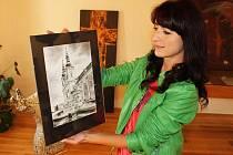 Veronika Daňková se nechala inspirovat perokresbami sakrálních i světských památek.