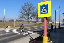 Frekventovanou silnici v Jarošově doplní nový světelný přechod.