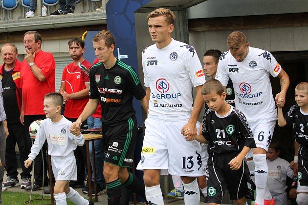 Mladý stoper ligových fotbalistů Slovácka Tomáš Břečka se těší na derby s Brnem. Foto: Deník/Stanislav Dufka