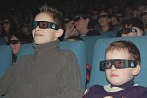 Do moderního kinosálu se vydali i ti nejmenší.