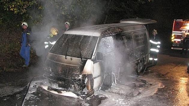Požár auta  u Buchlovic