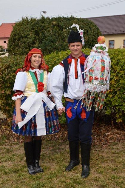 Soutěžní pár číslo 6 - Eva Šáchová a Tomáš Lyko, starší stárci na hodech vPopovicích 1-2.října.