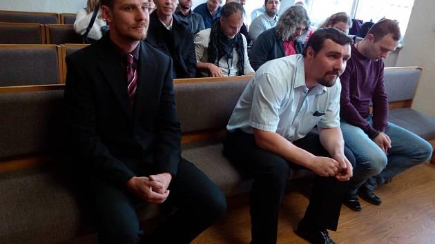 Tři policisté se zodpovídali za své jednání u soudu.