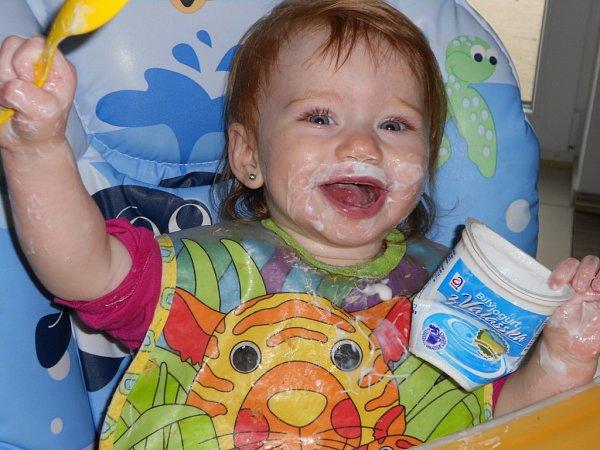 JANIČKA. Příště si ktomu jogurtu objednám isprchu.