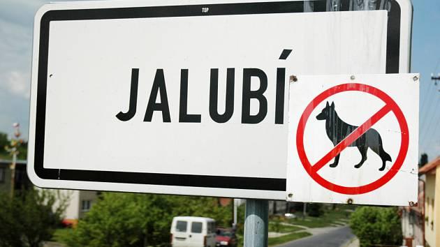 Psi mají vstup do Jalubí zakázán.