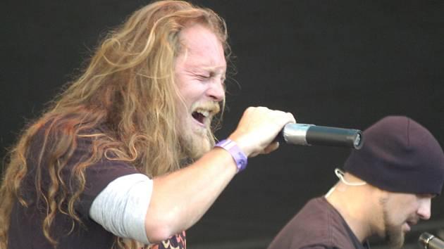 Skupina Harlej se zpěvákem Tomášem Hrbáčkem.