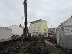 Nedaleko centra Uherského Hradiště se začal stavět bytový dům Rezidence Dlouhá.