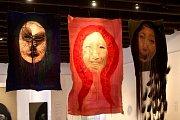 Výstava Textile art of todey ve Slovácké galerii.