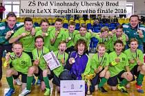 Mladší žáci ZŠ Pod Vinohrady Uherský Brod vyhráli republikový šampionát školních týmů ve florbale.
