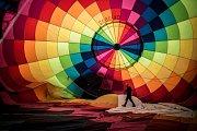 V pátek brzo ráno vzlétaly horkovzdušné balóny pro veřejnost také z několika míst Uherského Hradiště.
