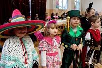 V nedakonickém kulturáku si osmdesát dětí užívalo při karnevalovém veselí spousty her a soutěží.
