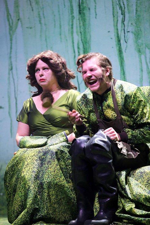 Hra Měsíc nad řekou ve  Slováckém divadle v Uherském Hradišti.