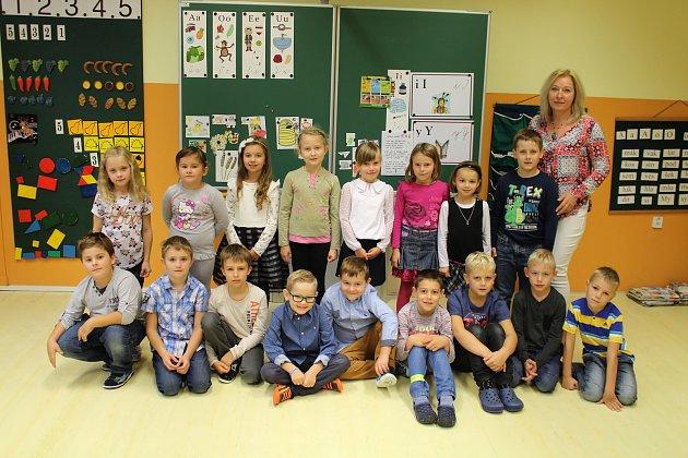 1. AvUherském Ostrohu, třídní učitelka Ludmila Kašpárková.