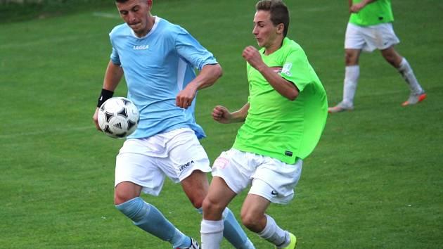 Fotbalisté Jarošova doma prohráli s Havřicemi (v zeleném) vysoko 2:6.