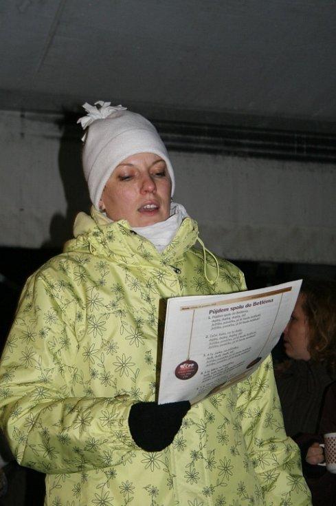 Největší celorepubliková akce Deníku Česko zpívá koledy se uskutečnila také ve Véskách.