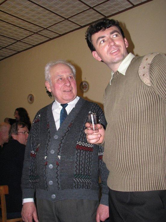 Předseda zahrádkářů v Babicích Josef Stalzer a vinař Petr Obdržálek.