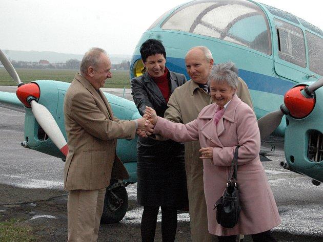 Letadlo představili zástupci kunovického aeroklubu, Slováckého muzea a města Kunovice.