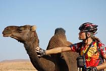 Rudolf Růžička na kole po Maroku.