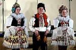 Krojový ples se také v Hluku stal událostí, při níž představili veřejnosti letošního krále a jeho družinu. Došlo k tomu v sobotu 22. února večer v tamní sportovní hale.