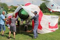 Slavnostního odhalení renovovaného letounu MiG-21 v Kunovicích