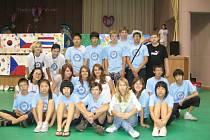 Kunovičtí a korejští školáci.