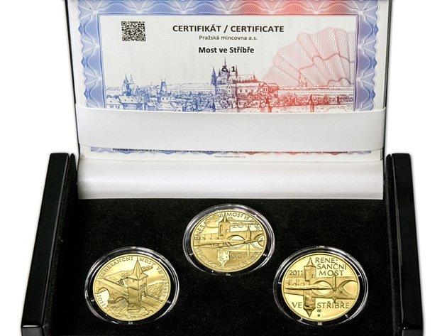 Kolekce Most ve Stříbře existuje ve zlatém i stříbrném provedení. Na výběr jsou vždy dvě velikosti v úpravách proof i standard.