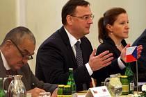 Petr Nečas při zasedání vlády v Uherském Hradišti. Ilustrační foto.