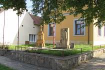Pomníky 1. a 2. světové války ve Véskách čeká oprava.
