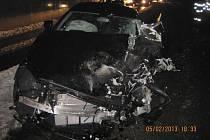 Ve Starém Hrozenkově došlo k dopravní nehodě, čelním střetu kamionu a osobního automobilu.