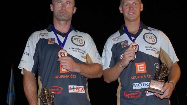 Těsně pod stupni vítězů se umístil Petr Znamenáček (vlevo).