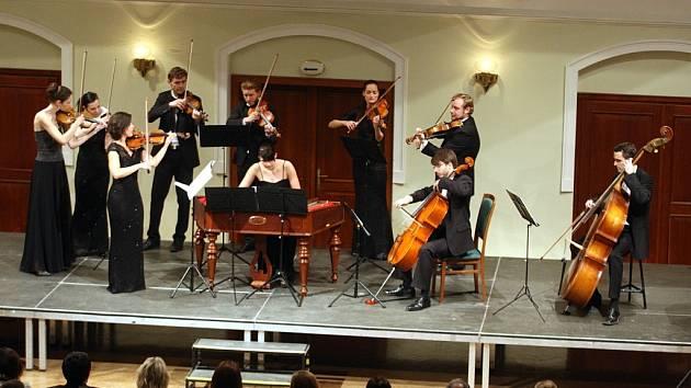 Novoroční koncert Slováckého komorního orchestru v sále  Reduty v Uherském Hradišti.