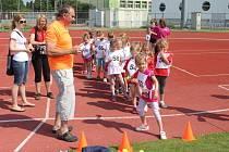Městský atletický stadion v Uherském Hradišti v úterý 9. června hostil 21. ročník Sportovních her dětí mateřských škol.