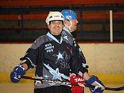 Okresní hokejová liga: Rangers UH - Lokomotiva Uherský Ostroh (v tmavém)