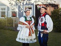 Podobu tradičního svatebního obřadu představí folkloristé z Dolněmčanu.