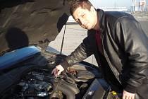 Montáž plynového zařízení ve voze Tomáše Sukupa měla znamenat úspory provozu. Místo toho znamenala pro majitele řadu provozních problémů.