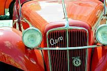 Nejblíže má Strnad k českým značkám, a tak se na jeho snímcích často objevují tatrovky či vozy Aero.
