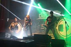 Na osmém ročníku minifestivalu Robfest v Dolním Němčí byla největším lákadlem skupina KERN. Zazářili ale i domácí Dagnes.