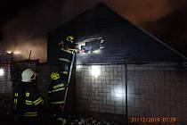 Požár udírny v Dolním Němčí způsobil škodu 100 tisíc korun.