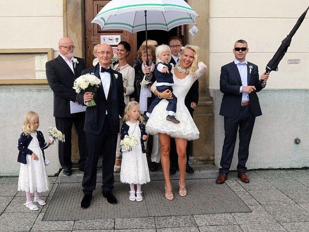 Majitel společnosti SYNOT a senátor z Uherského Hradiště Ivo Valenta se v sobotu 14. května oženil se svou dlouholetou přítelkyní Alenou