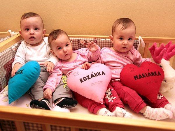 Trojčata Marianka, Martínek a Rozárka Grebíkovi ze Strání.