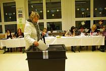 Poprvé v historii voleb v Dolním Němčí zamířili tamní obyvatelé do volebních místností v Základní škole a Základní umělecké škole.