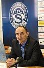 Cílem fotbalistů Slovácka i i přes povedený konec podzimu zůstává záchrana ve FORTUNA:LIZE. Na snímku ředitel klubu Petr Pojezný.