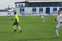 Fotbalisté Slovácka B na umělé trávě v Kunovicích podlehli Prostějovu 1:3.