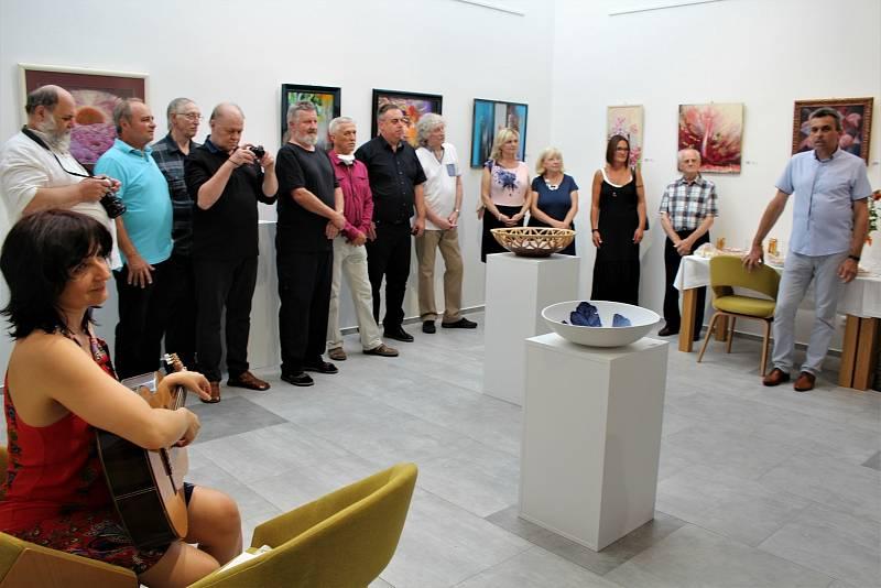 Výstava Sdružení výtvarných umělců moravsko - slovenského pomezí v Ostrožské Nové Vsi v r. 2020.