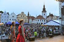 Manažerka Slováckého divadla Jitka Honsová na náměstí v Pelhřimově, kde přebírala cenu za nejoriginálnější rekord.