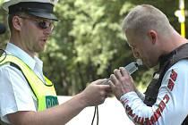 V  pomyslných sítích policejních hlídek skončilo o víkendu hned několik opilých šoférů.