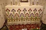 Otevření památných domků na Slovácku 27. - 28.6. 2020.Muzeum Huštěnovice. Replika starodávného oltáře. Originální ubrus je 110 let starý.