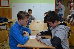 Devadesát žáků na Slovácku se zúčastnilo turnaje v piškvorkách.