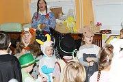 Fašank v mateřské škole Pod Svahy v Uherském Hradišti přiblížil dětem masopustní tradice.