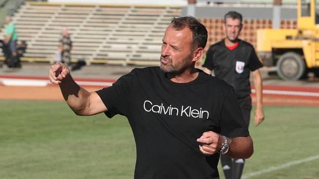 Trenér fotbalistů Hluku Jiří Vojtěšek.